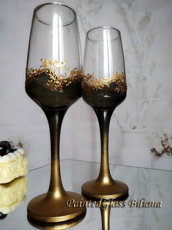 Set of 2 hand painted wedding champagne flutes Classic Black and gold color Gatsby style