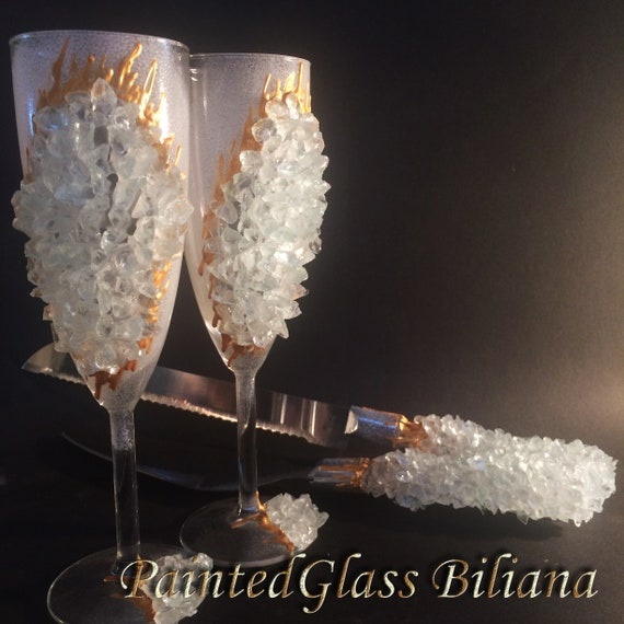 20% off White geode wedding flutes & Cake set