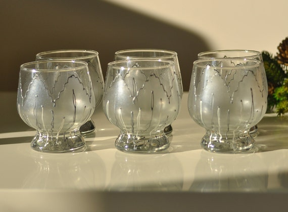 September SALE -30% Set of 6 hand painted whiskey/ vodka glasses Silver Tulip