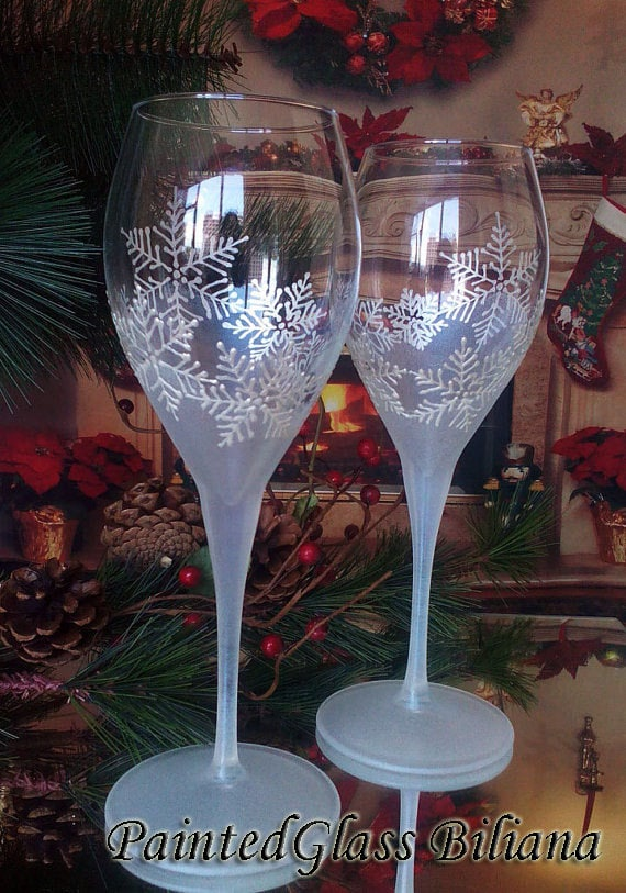 Snowflake theme Winter wedding Toasting wine glasses Set of 2 in pearly white color