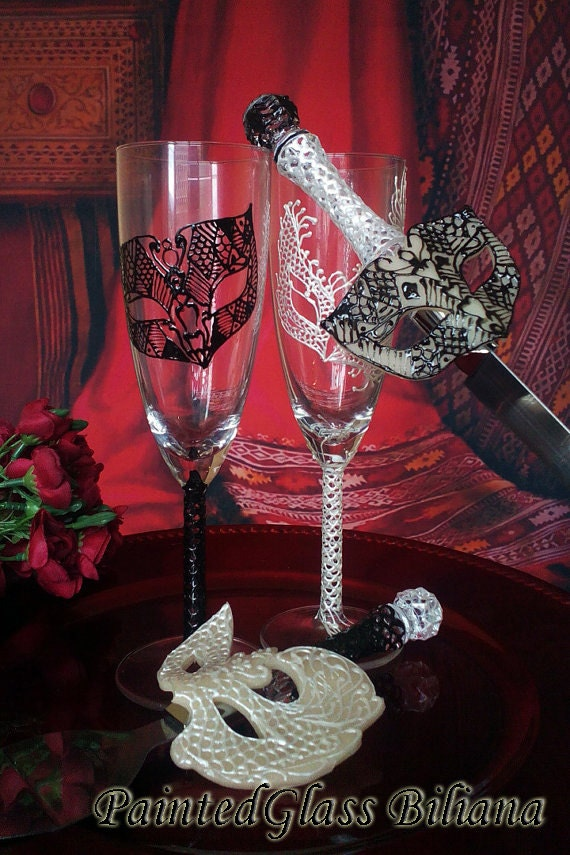 Wedding Glasses Champagne Flutes Set of 2 Lace domino Masquerade mask in Black and White Mask Cake serving set