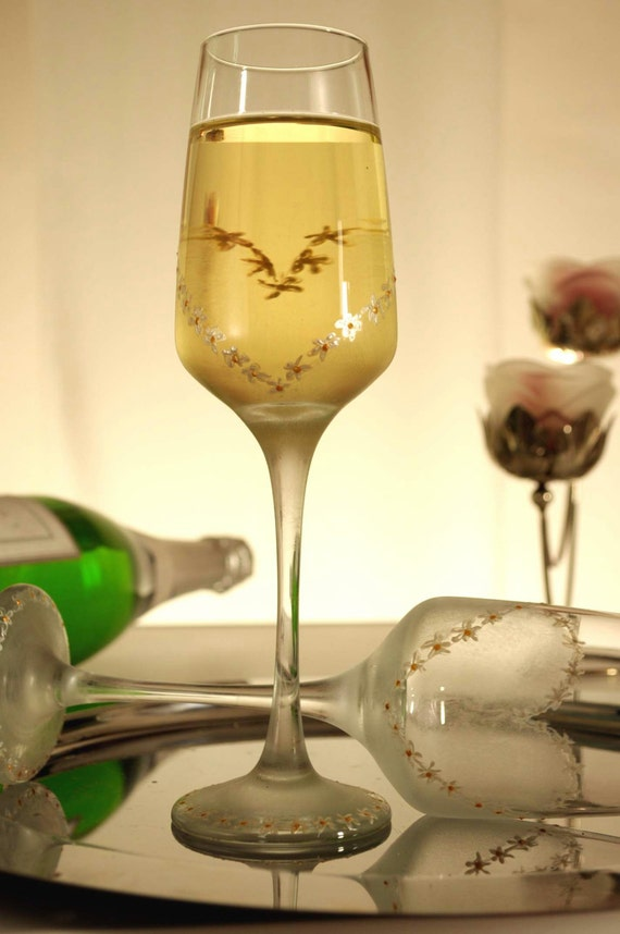 Wedding Glasses Heart Champagne Flutes Hand Painted Set of 2