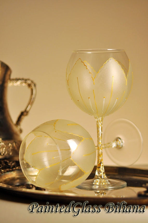 Set of 2 Hand Painted beautiful wine glasses Golden tulip