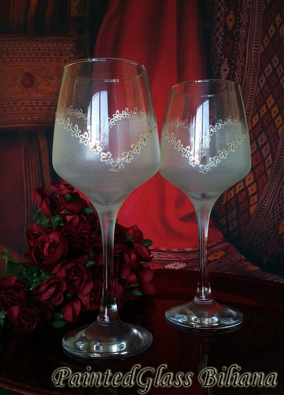 Set of 2 hand painted wine glasses Heart