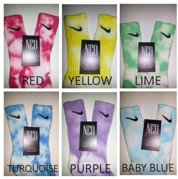 Campo minato eccitante Sobriquette  Calze personalizzate Nike Tie Dye Athletic Crew Unisex   Etsy