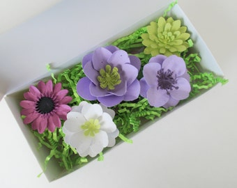 eco friendly seed bomb and plantable seed paper flowers gift set unique gardening gift