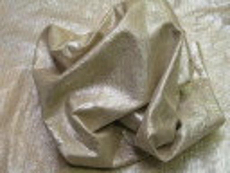 Lambskin 6 Sq ITALIAN Lamb Skin Manufacturer Wholesaler Retailer = Approx Surf 20\u2033 W X 27\u2033 L Metallic Crystal Salmon Ft Leather Hides