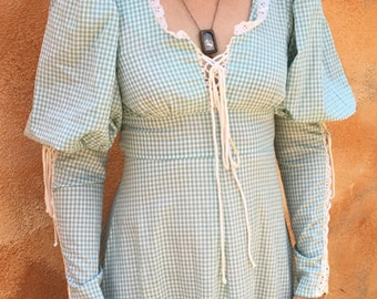 Whimsical green gingham corset Gunne Sax dress. Vintage 7.