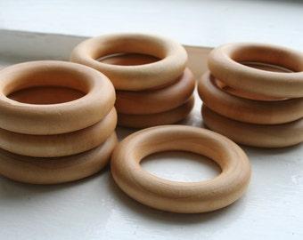 10 Wooden Rings - Essential Montessori