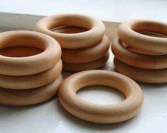 25 Wooden Rings - Essential Montessori