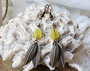 Green & White Czech Bead Leaf Earring Set, A Simple Boho Leaf Earring Look, Anytime Gift of Green Leaf Dangle Earrings, 2 Inch