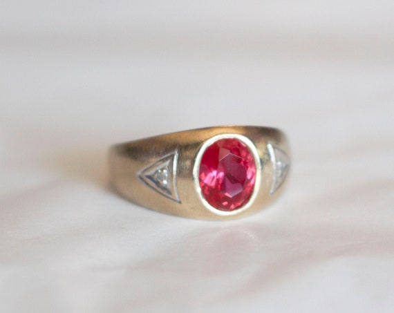 Red Stone and Diamond Trilogy Ring | 10k Yellow Gold