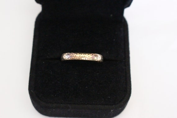Crescent Moon & Star Band | 9k Yellow Gold Ring