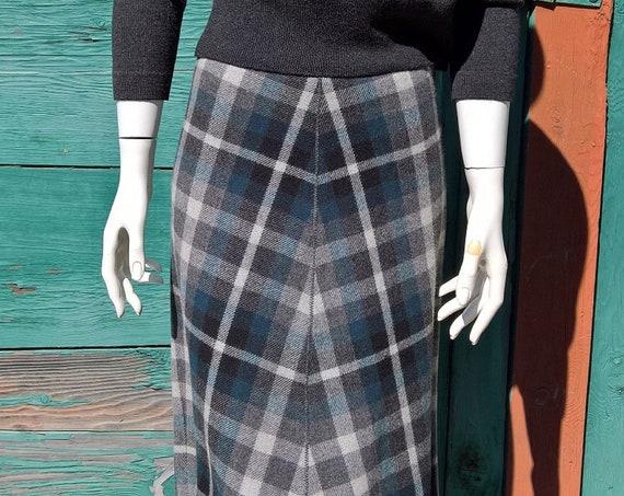 Vintage Skirt Long Plaid Grey Handkerchief  Fringed Hem