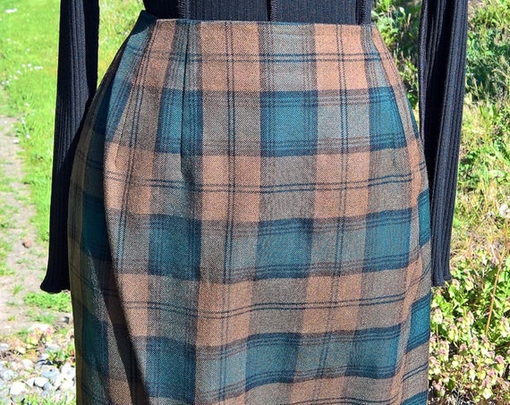 Vintage Skirt Pencil Scottish Plaid Short