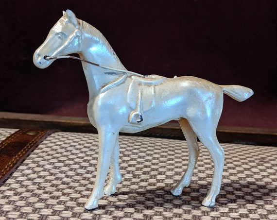 Vintage Thoroughbred Figurine in Painted Cast Iron, Miniature