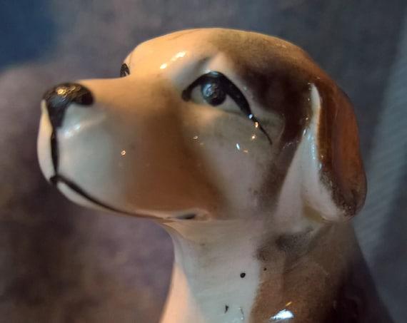 Vintage Hunt Hound Figurine Sitting Glossy Bisque