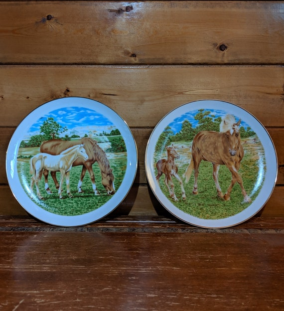 Vintage Plates Golden Mares & Foals Décor  Set