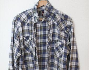 0d7e8f6a vintage wrangler blue & white plaid western cut lumberjack flannel shirt  #a0417