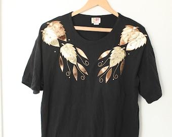 70a1b32d vintage black & gold leaves v neck t shirt #0328