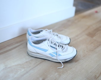 5a167975c449f0 vintage REEBOK classic white blue leather sneakers womens 9