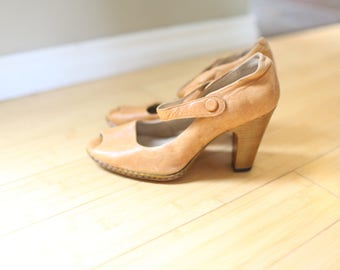 vintage tan leather peep toe  mary jane heels womens 9