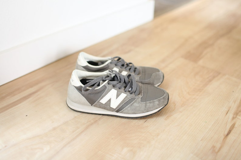 vintage NEW BALANCE 420 gray leather sneakers womens 6