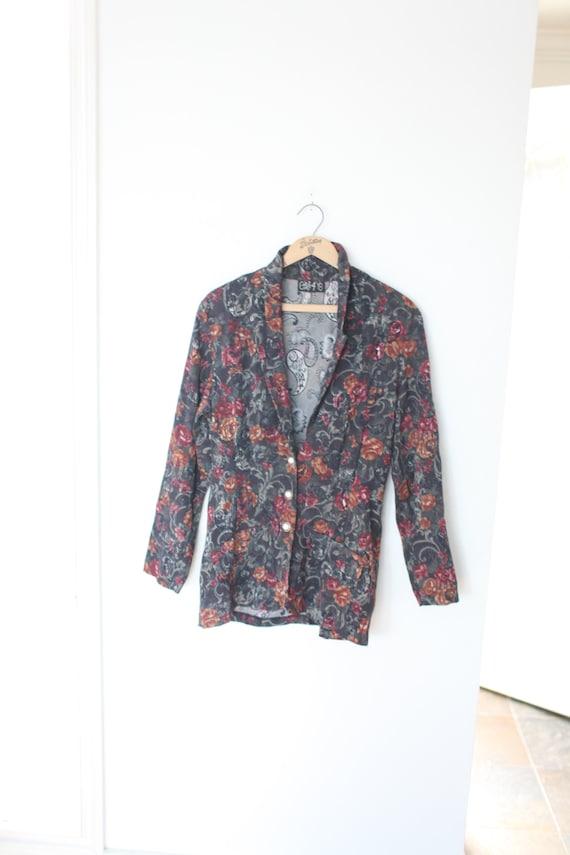 Vintage 80/'s Oversized Original Cherokee Made in USA Women/'s Denim Floral Blazer 100/% Cotton Shawl Collar Floral Print Denim