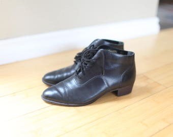 vintage black leather oxfords lace up ankle boots  womens 6