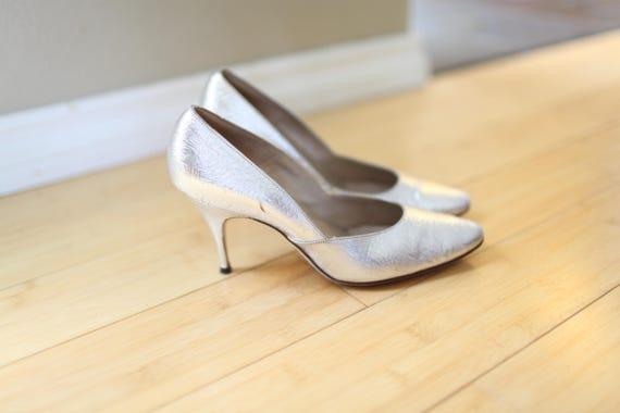 edaf70df388 vintage SILVER heels womens 6.5