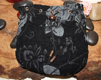 Black Rose Pouch - Dice Bag of Holding - Free d20