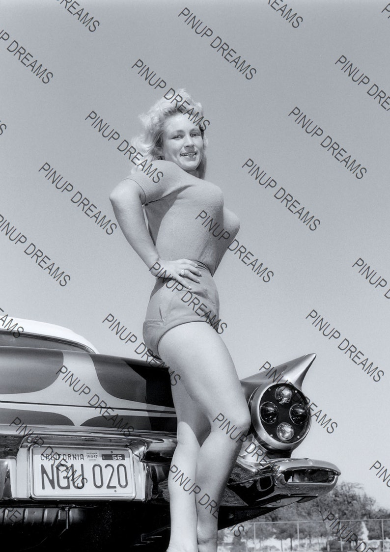 cc39f55ac5f Photo Poster Wall Art Print of Lovely Burlesque Pin-up Virginia Bell Retro  A4 (11.7