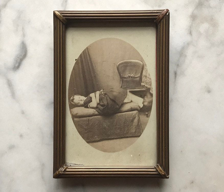 Victorian Post Mortem Photo CDV In Gold Frame