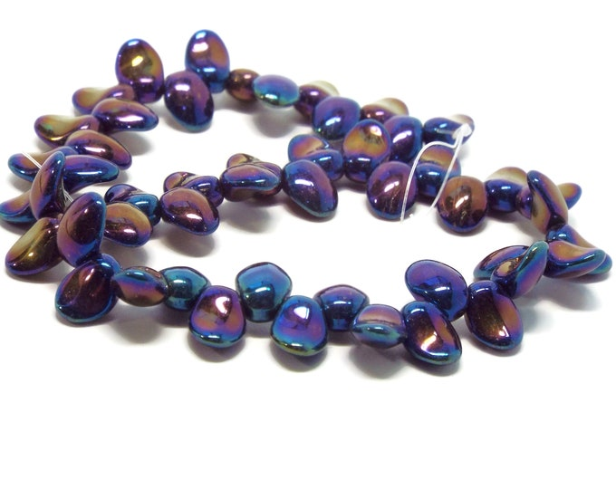 Czech Tulip Petal Beads, Blue Iris, 50 Beads per Strand
