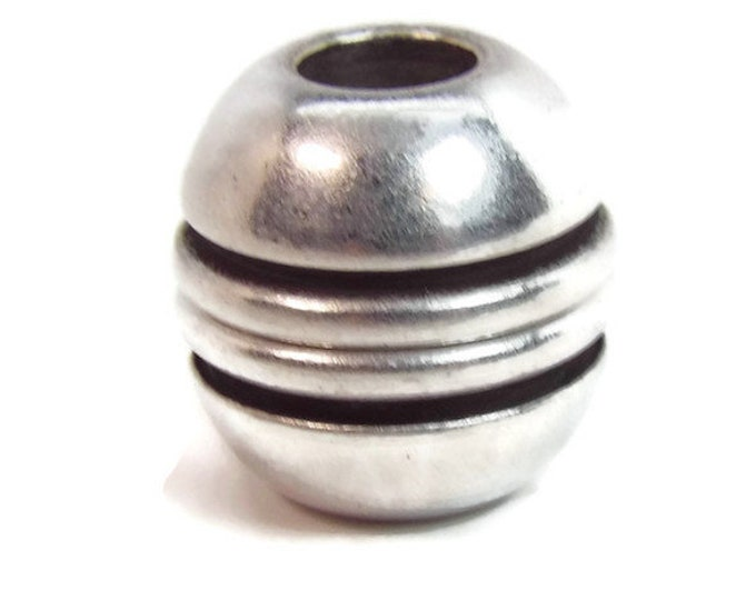 NEW STYLE Magnetic Sphere Clasp with Lines 5mm ID Antique Silver