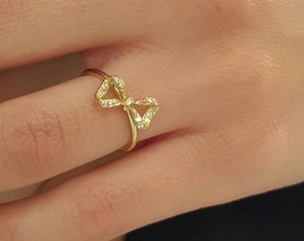 Solid gold bow ring Diamond bow ring Ribbon ring K18 Knot ring Diamond knot ring Diamonds   Unique ring in 18k