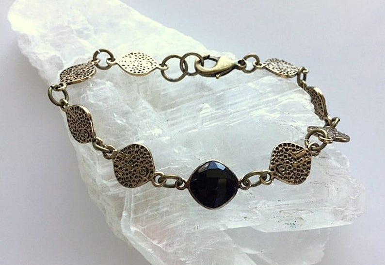 Gold Brass and Onyx Gemstone Bracelet Round Link Bracelet Textured Round Brass Links Bracelet With Black Stone