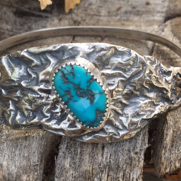Silver Reticulated Bracelet with Turquoise Cabachon image 1