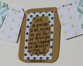 Psalm 33:2 Mini Scripture Bunting