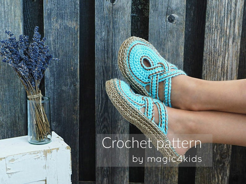 26ae42fa4b20 Crochet pattern women crossed straps clogs with rope