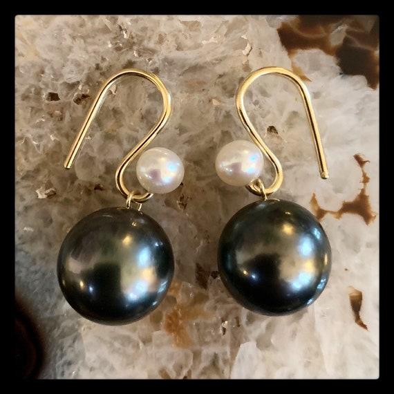 The Karla Earrings with Tahitian Pearls