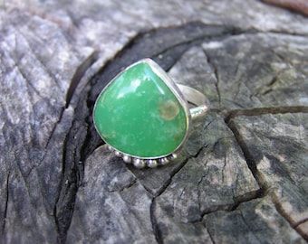 Chrysoprase Sterling Silver Ring with Natural Amber
