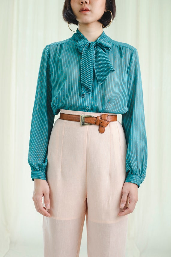 Pleated blouse   Bow tie   Vintage 1980s