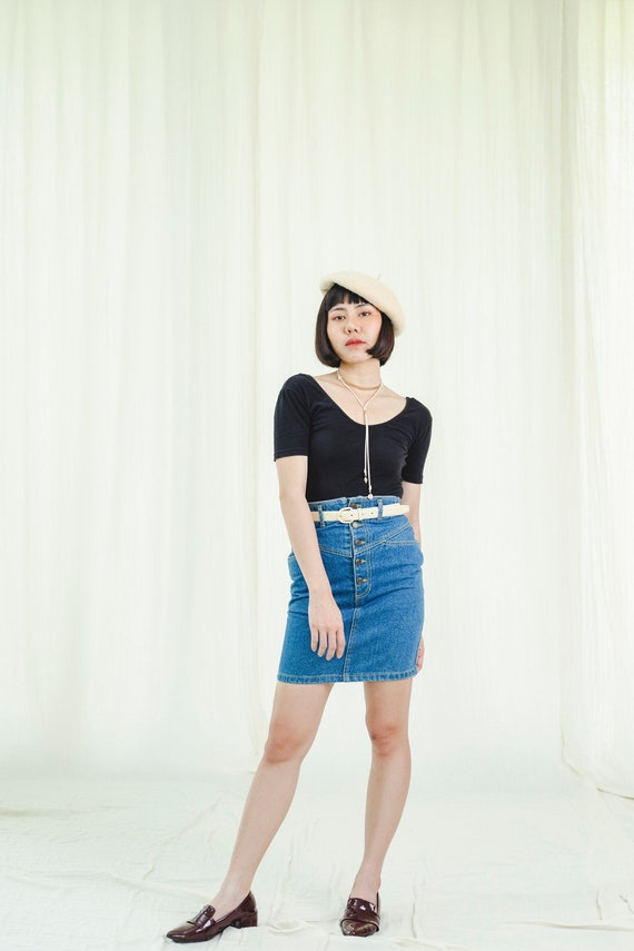 Short skirt   Buttoned-front   Vintage 1980s
