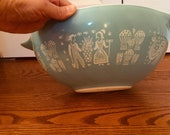 Vintage 1950s PYREX Amish Butterprint , Turquoise, 442 1 1 2 Qt Cinderella Bowl with Pour Spouts Ovenware White Milk Glass