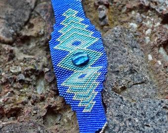 Southwest Style Beaded Bracelet - OOAK - Mother of Pearl Paua Shell - Brilliant Blue - Silver - Peyote Beaded Bracelet - One of a Kind
