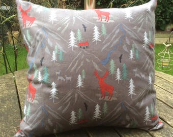 Kaggicrafts Christmas cushion with festive deer scene