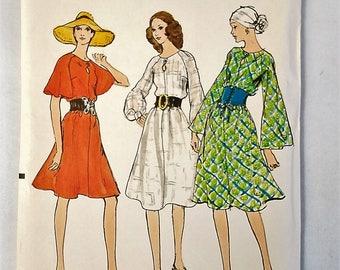 c365aca58219 Vintage Vogue 7982 Loose fitting Semi Tent Dress Sewing Pattern Sz 14 Uncut  1971