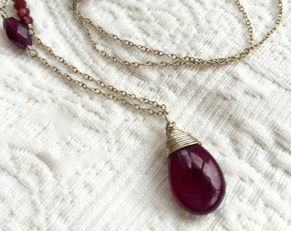 Garnet Necklace January Birthstone Garnet Pendant Minimalist Necklace Chakra Necklace Gift For Women Healing Crystals Root Chakra Jewelry