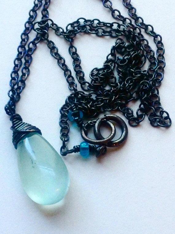 Aquamarine Necklace March Birthstone Wedding Jewelry Throat Chakra Necklace Aquamarine Briolette Pendant Gemstone Solitaire Minimalist